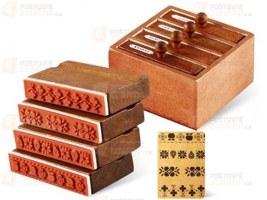 4 tiskátka v dřevěném boxu