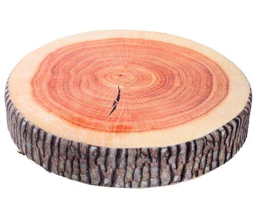 Podsedák v podobě kusu dřeva
