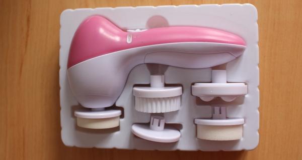 5 v 1 čistící masážní stroj na obličej