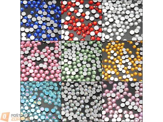 Nalepovací kamínky na nehty - 200 kusů, na výběr z devíti barev