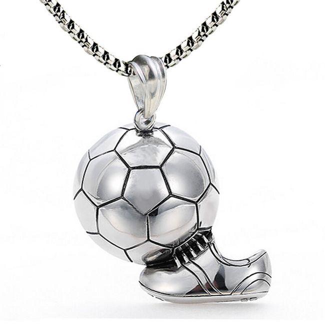 Přívěsek - míč s botou 1