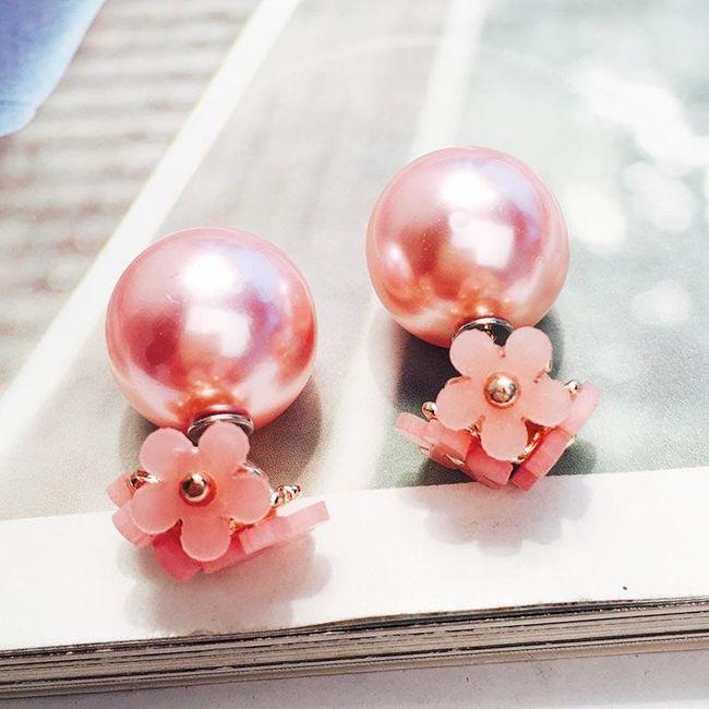 Perlové oboustranné náušnice s květinou 1