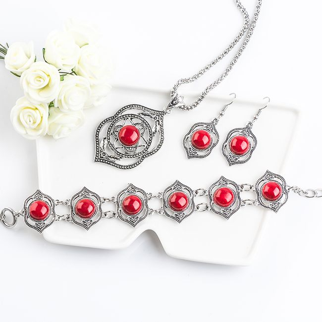 Třídílný set šperků s červenými/ černými kamínky 1