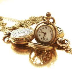 Vintage hodinky na řetízku s motýlím motivem