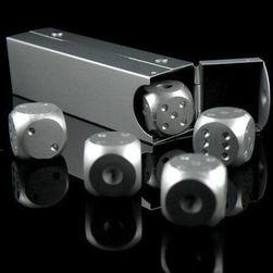 Kovové kostky s krabičkou