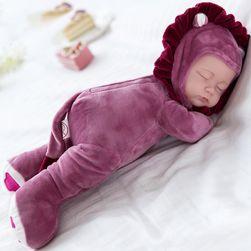 Spící panenka s plyšovým tělíčkem