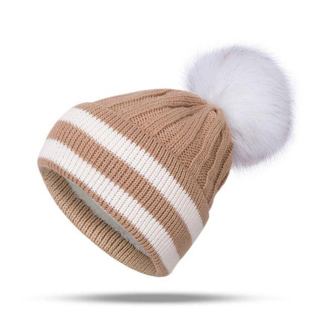 Zimní čepice s chlupatou bambulí - 4 barvy 1