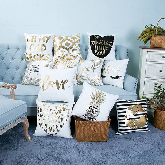 Povlak na polštář v módním zlato-bílém odstínu - 11 vzorů 1