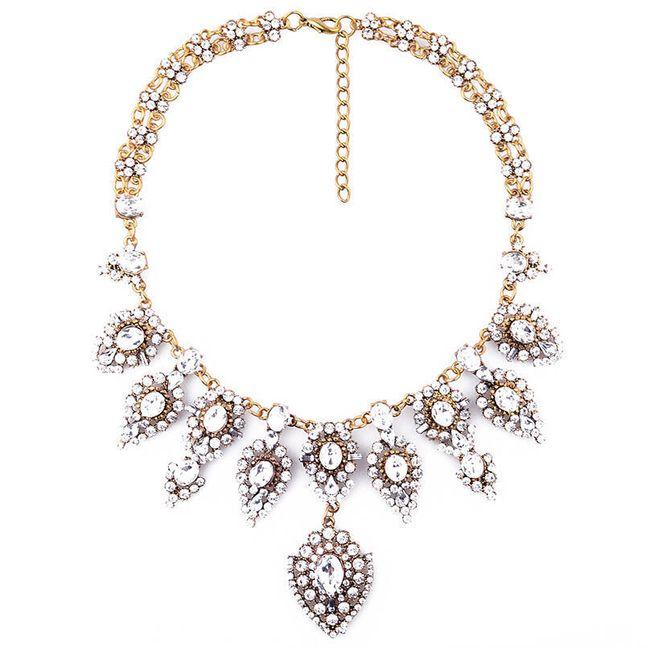 Společenský náhrdelník vykládaný kamínky 1