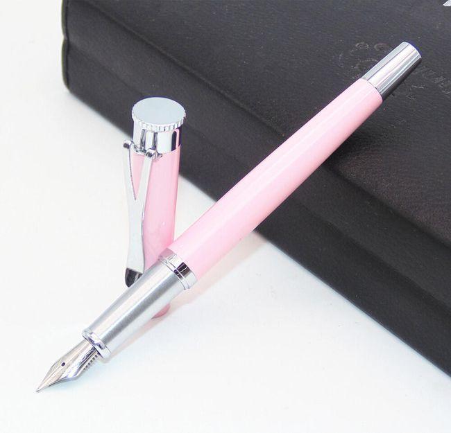 Plnící pero v růžové barvě 1