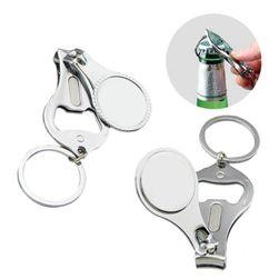 Otvírák na klíče s kleštičkami na nehty