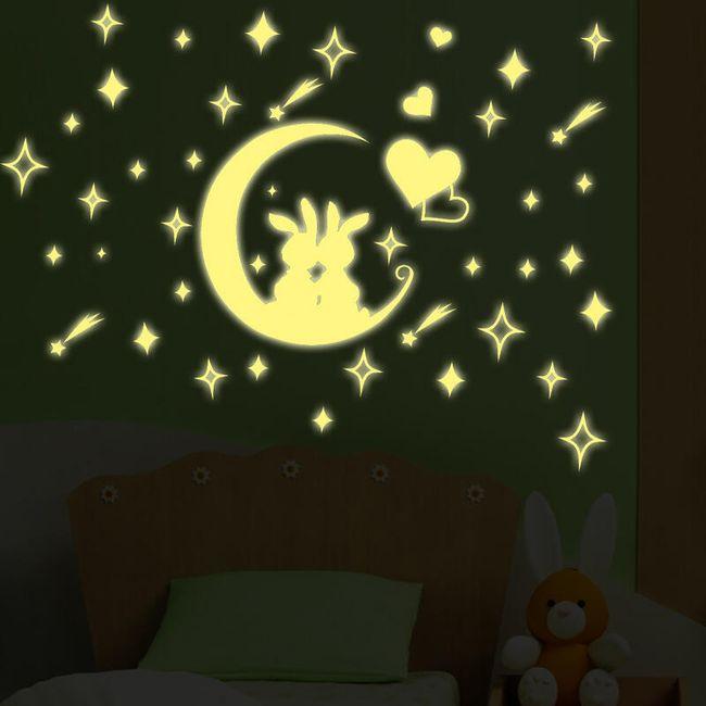 Svítící samolepka - Zamilovaní králíčci na měsíčku 1