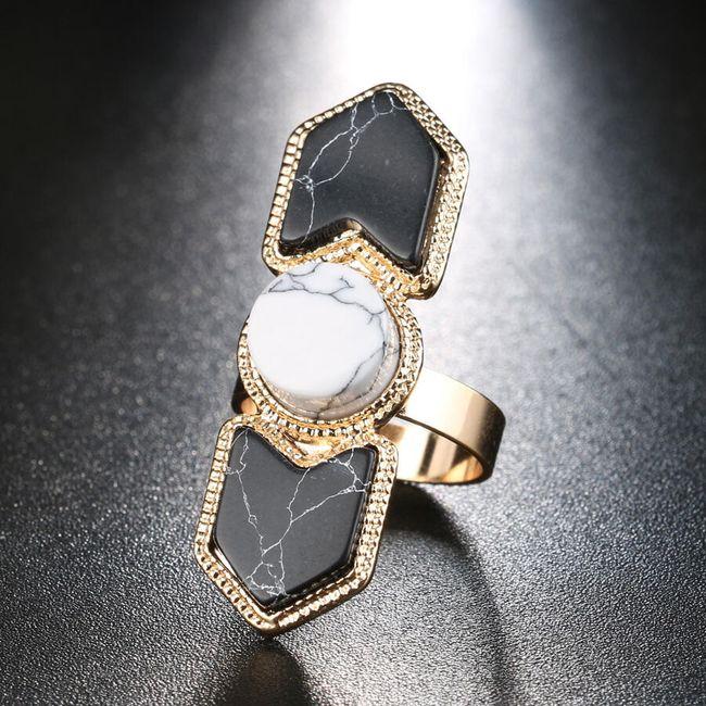 Robustní prsten imitující drahé kamení 1