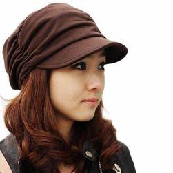 Dámská čapka s kšiltem