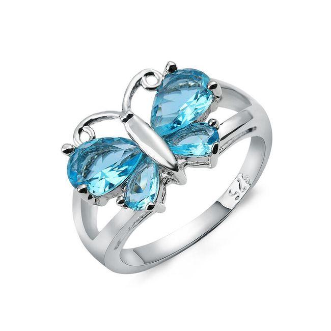 Prsten s modrým motýlkem z kamínků 1