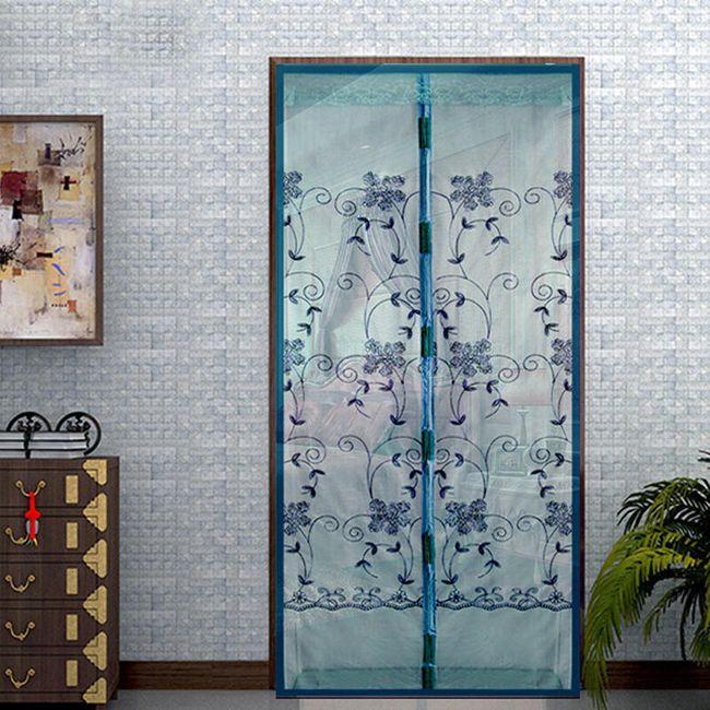 Magnetická síť do dveří proti hmyzu a jinému nepořádku - Modrá s květy 1