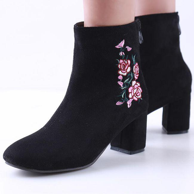 Kotníkové boty s podpatkem s výšivkou 1