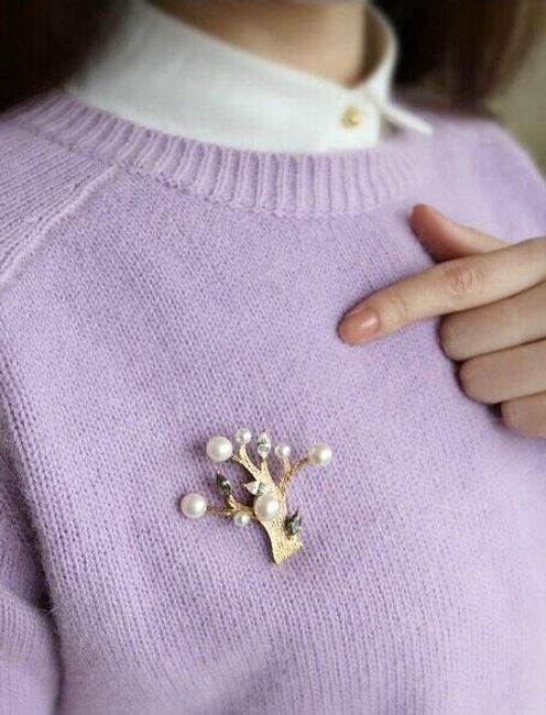 Brož s umělými perličkami 1