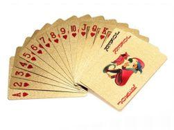 Pokerové karty v zlaté barvě