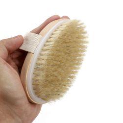 Dřevěný masážní kartáč na tělo