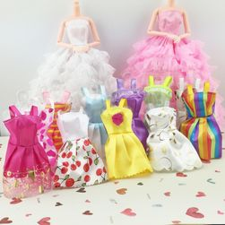 Šaty pro panenky v různých provedeních - 10 ks