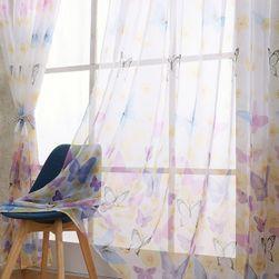 Hotová záclona s motýlím vzorem - více variant