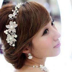 Krásná čelenka do vlasů z květinek - stříbrná